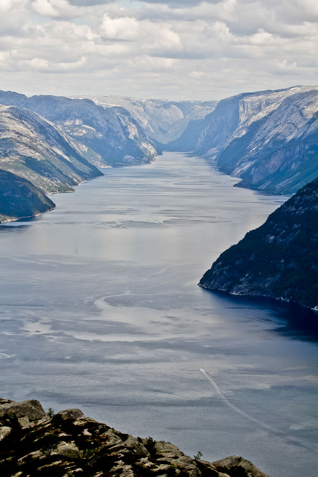 Beauty In Nature Fiord Fiordo Landscape Majestic Mountain Mountain Range Nature Noruega Norway Prekestolen Remote