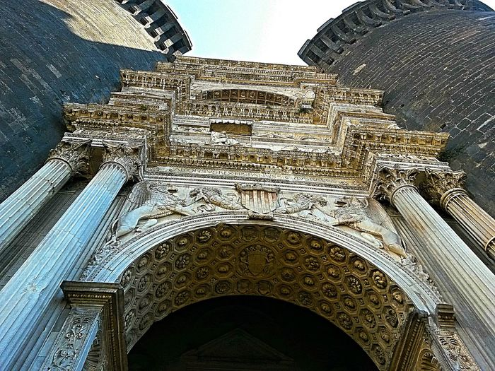 Castle Medieval Architecture Medieval Castle Medieval Art Architecture Arc Of Triumph Aragonese Maschio Angioino Kingdom Of Naples Gate