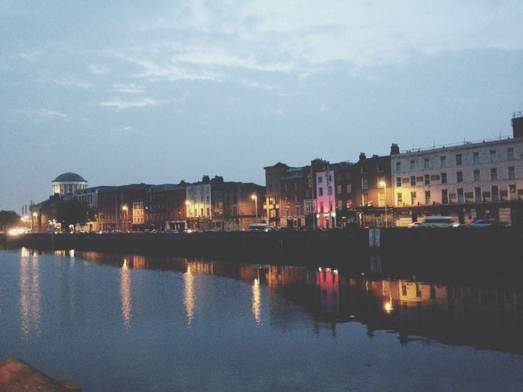 Dublin at night Stunning Enjoing Life