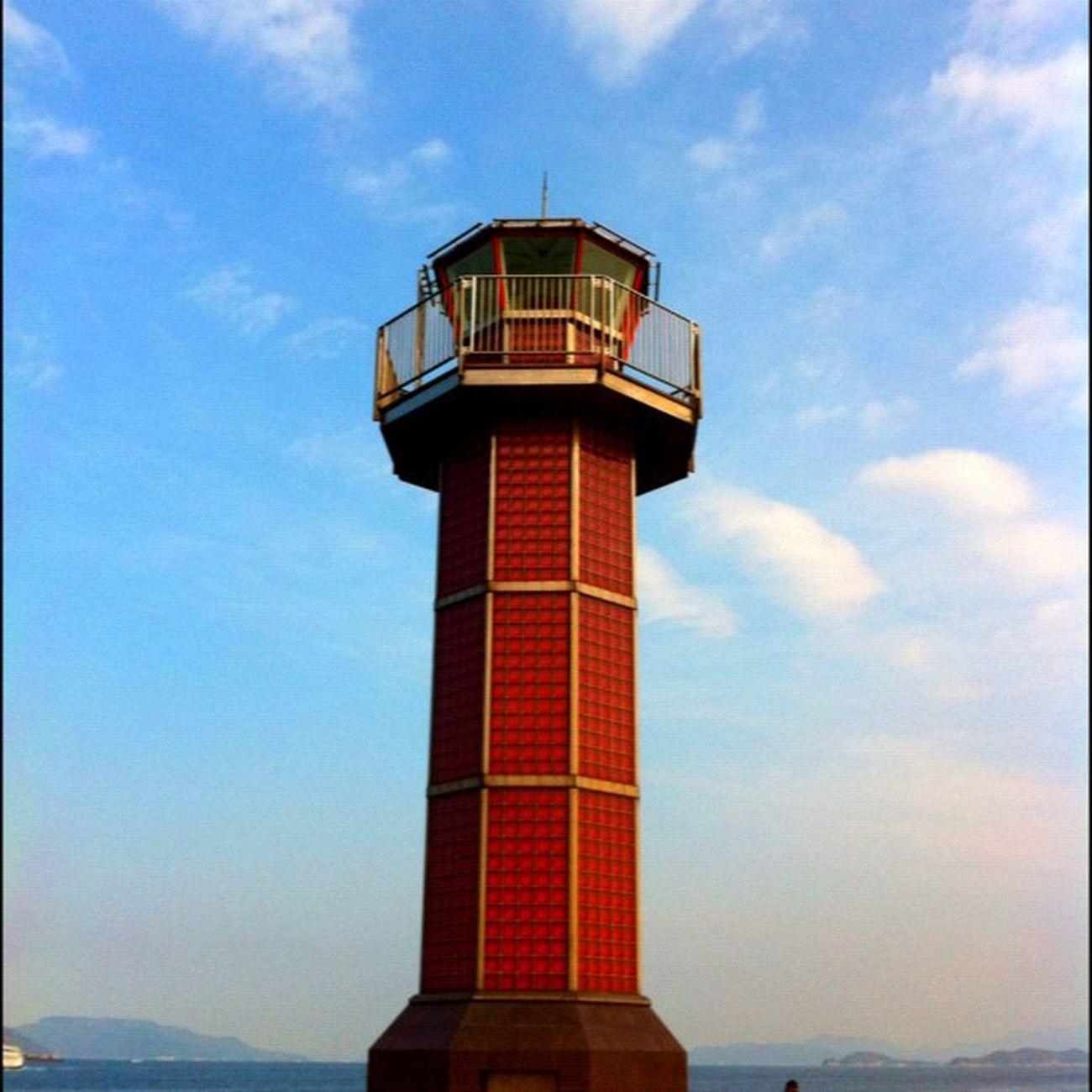 赤いガラス灯台