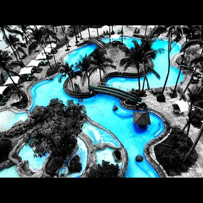 Bluer than blue.. Canon Swimmingpool Sofitel