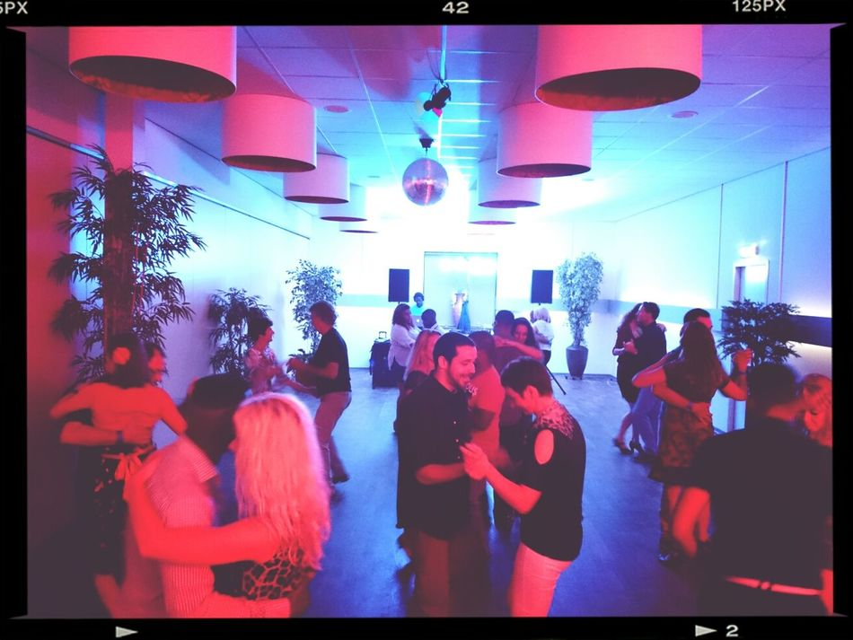 La gente Bailar Bachata @theMix @MiSalsa_nl