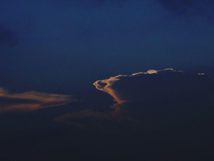 The Burning Skies The Last Light Sky Skyporn Clouds EyeEm EyeEm Nature Lover EyeEm Best Shots Leica D-lux Typ109