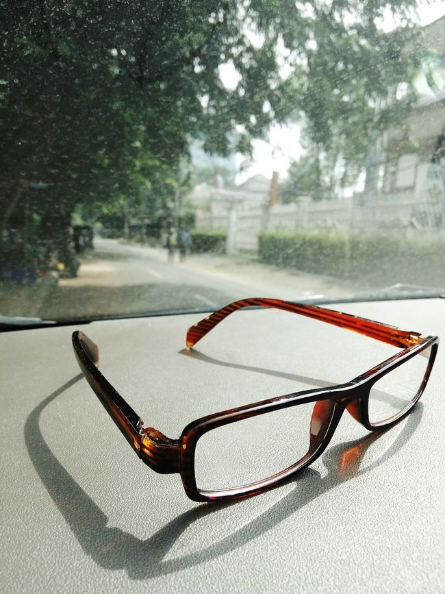 Glasses Sunlight Shadow Everyday Life Midday Sunlight