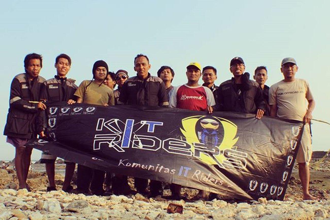 Latepost . Sawarna Beach with Komunitas IT Riders . Motorcycle Adventouring Tour Touring Sawarna Indahnyakebersamaan Indonesiabagus