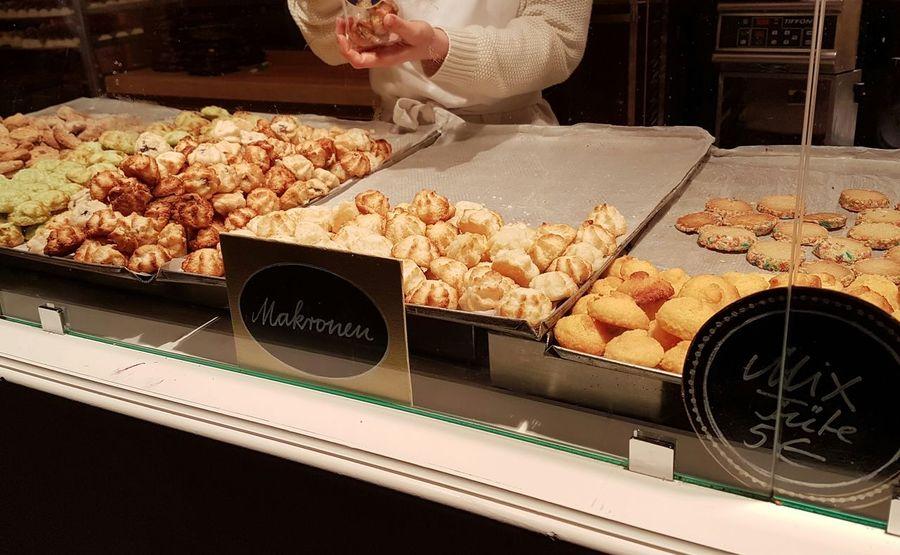 Sweet Food Food Nostalgia Bakery Human Hand Human Body Part Christmas Market Weihnachtsmarkt Sweets