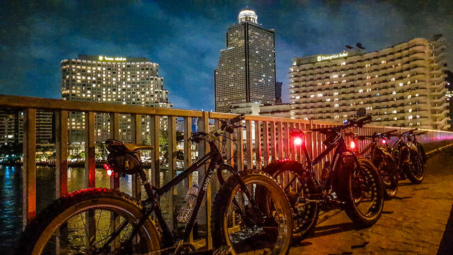 fatbike Fatbike Fatbikeworld Fatbikelife Bike Bike Ride Architecture Building Exterior Night Bicycle Built Structure Illuminated Transportation