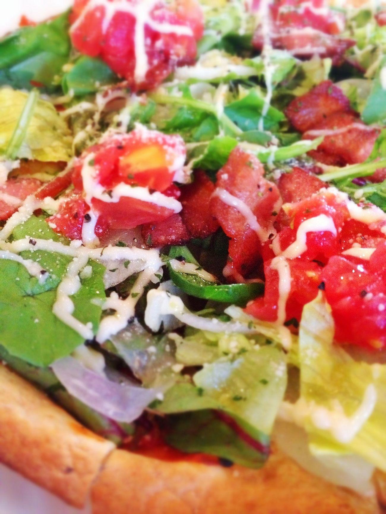 ここのサラダピザが好き(^-^) Lunch Break Time