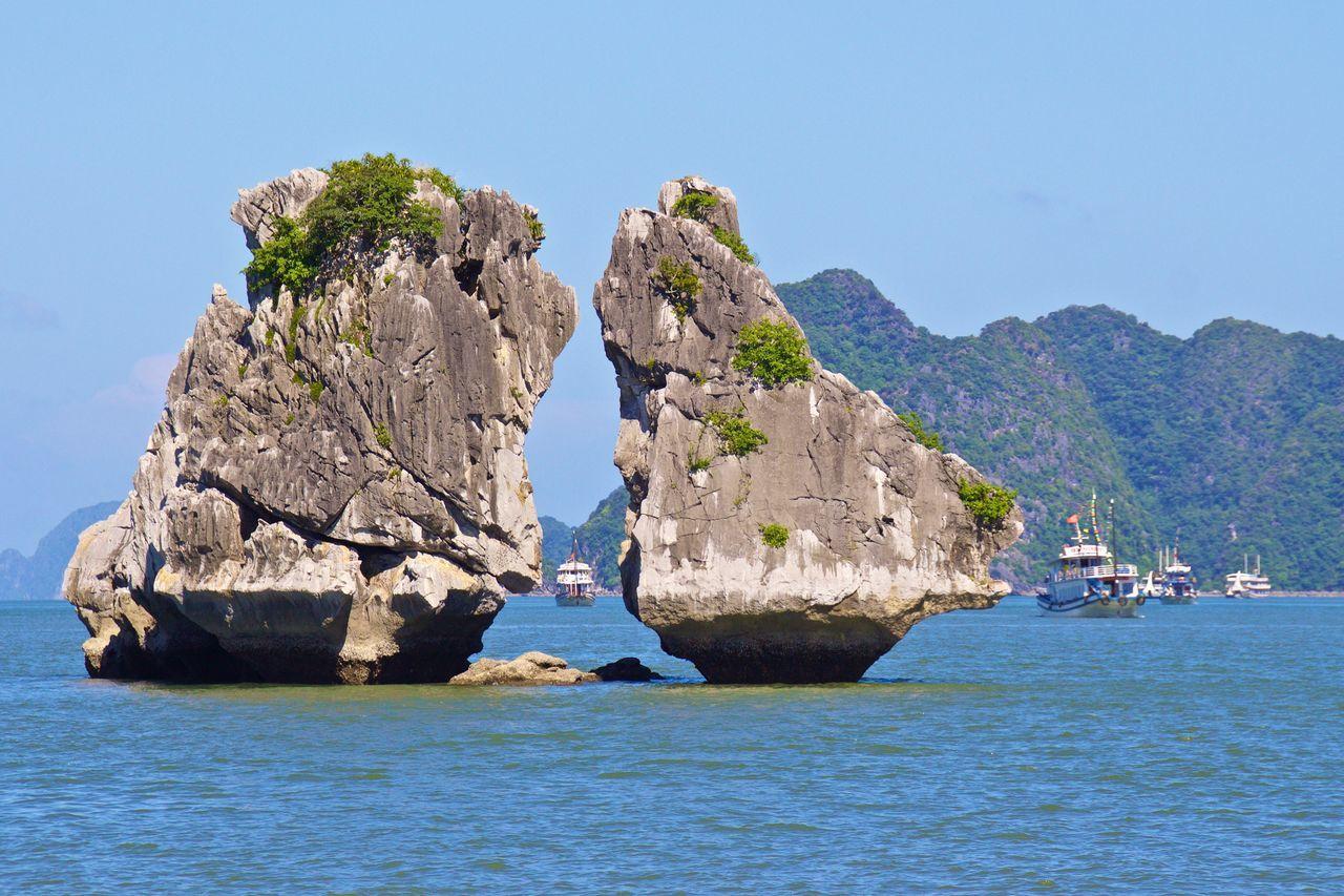 Halongbay Halong Bay Vietnam Halong Bay  HalongbayCruise Vietnam Vietnam Trip
