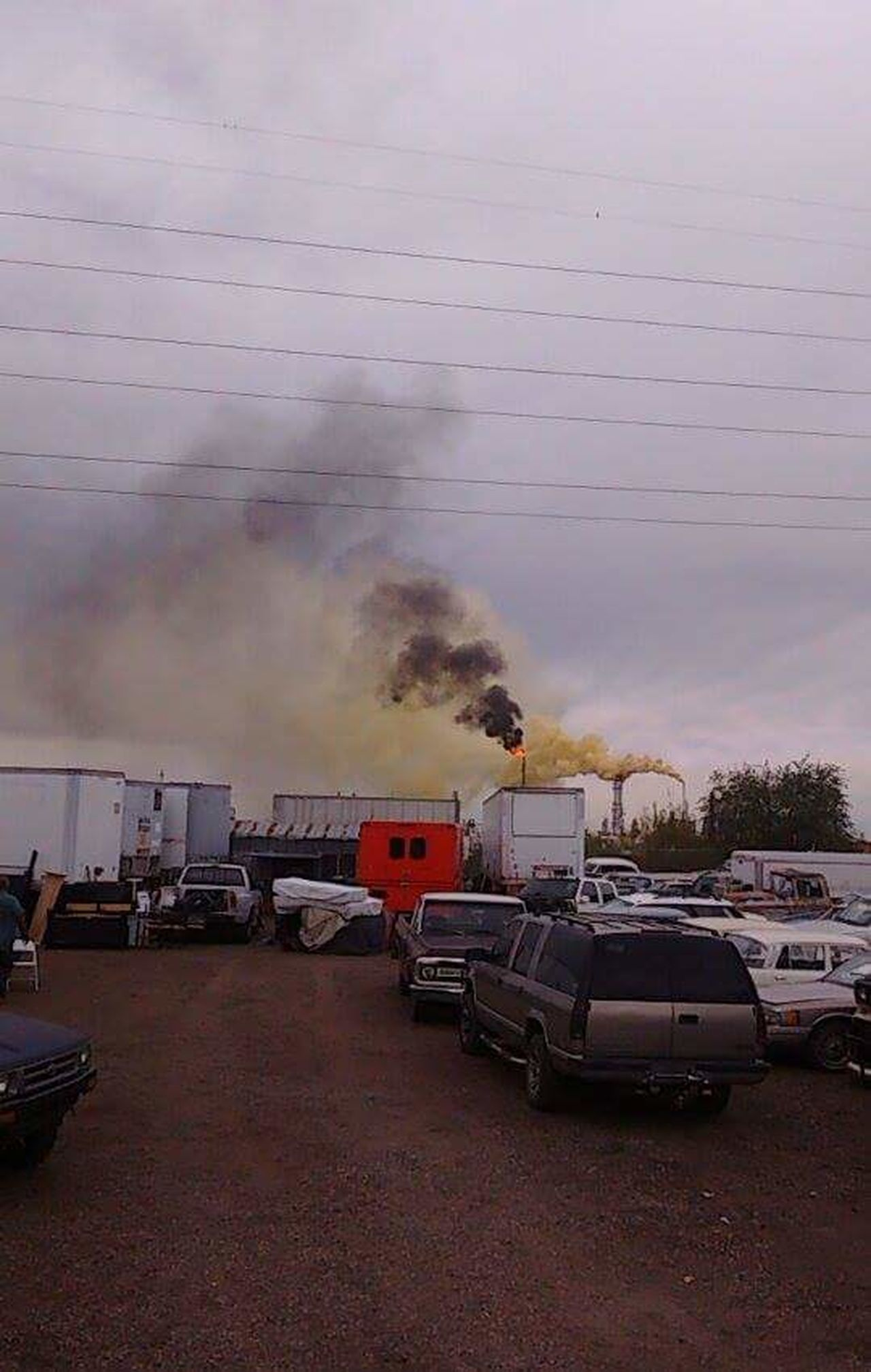 """2016 Suncore Refinery """"Yellow Plume"""" Commerce City, Colorado ENVIRONMENTAL HAZARD as it was happening. 911 Cover-up Day Denver Colorado  Environmental Issues Epa HAZMAT Cleanup Help Industrial Land Vehicle Outdoors Sky Sulfer Toxic Transportation"""