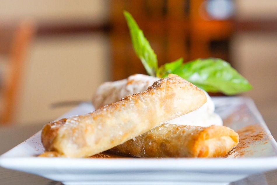 Amazing desert & Italian food; Banana Lumpia Lihue Dessert FotosDeSWAO