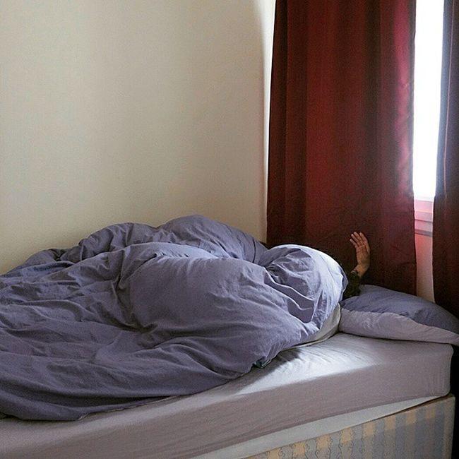 Stillsleaping Londoncalling Bedroom Goodmorning Traveling FamilyTime London Offsetartist