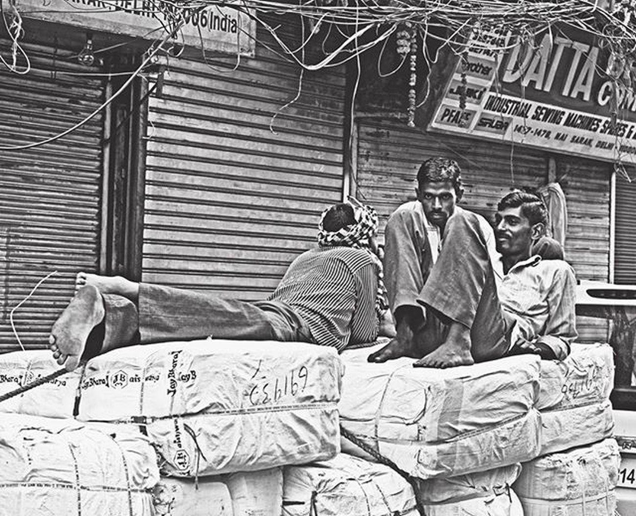 """ Chandni Chowk street "" Chandnichowk Street Early Morning Coworkers Enjoying Do Rest Streetphotography Blackandwhite Gulfam Fotofinch Incredibleindia Travelphotography Travel Delhi India Street Portrait Delhi_igers Dfordelhi _soi Sodelhi Indianphoto Photographer delhigram delhidiaries rsa_street rsa_india streetphoto"