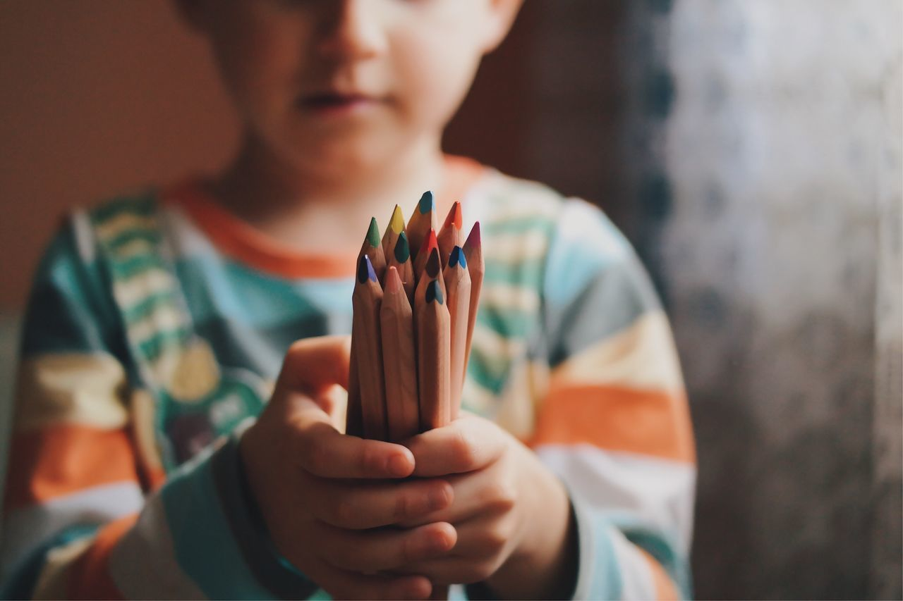 Colors of life... Focus On Foreground Holding Front View Leisure Activity Human Hand Close-up Young Adult VSCO Crayons Colors Colorful Fresh On Eyeem  My Favorite Photo Moments Of Life Details Of My Life Childhood Children Education Playtime Kid Fun Made In Romania Indoors