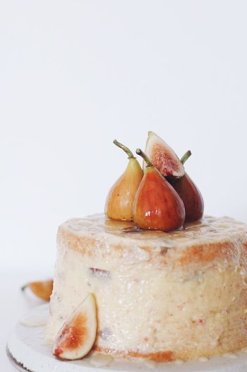 Fig Fig Cake Food And Drink Food Still Life White Background Studio Shot Sweet Food Dessert No People Fruit Freshness Plate Indoors  Ready-to-eat Close-up Healthy Eating Leisure Activity Delicious EyeEmNewHere The Week On EyeEm Lifestyles