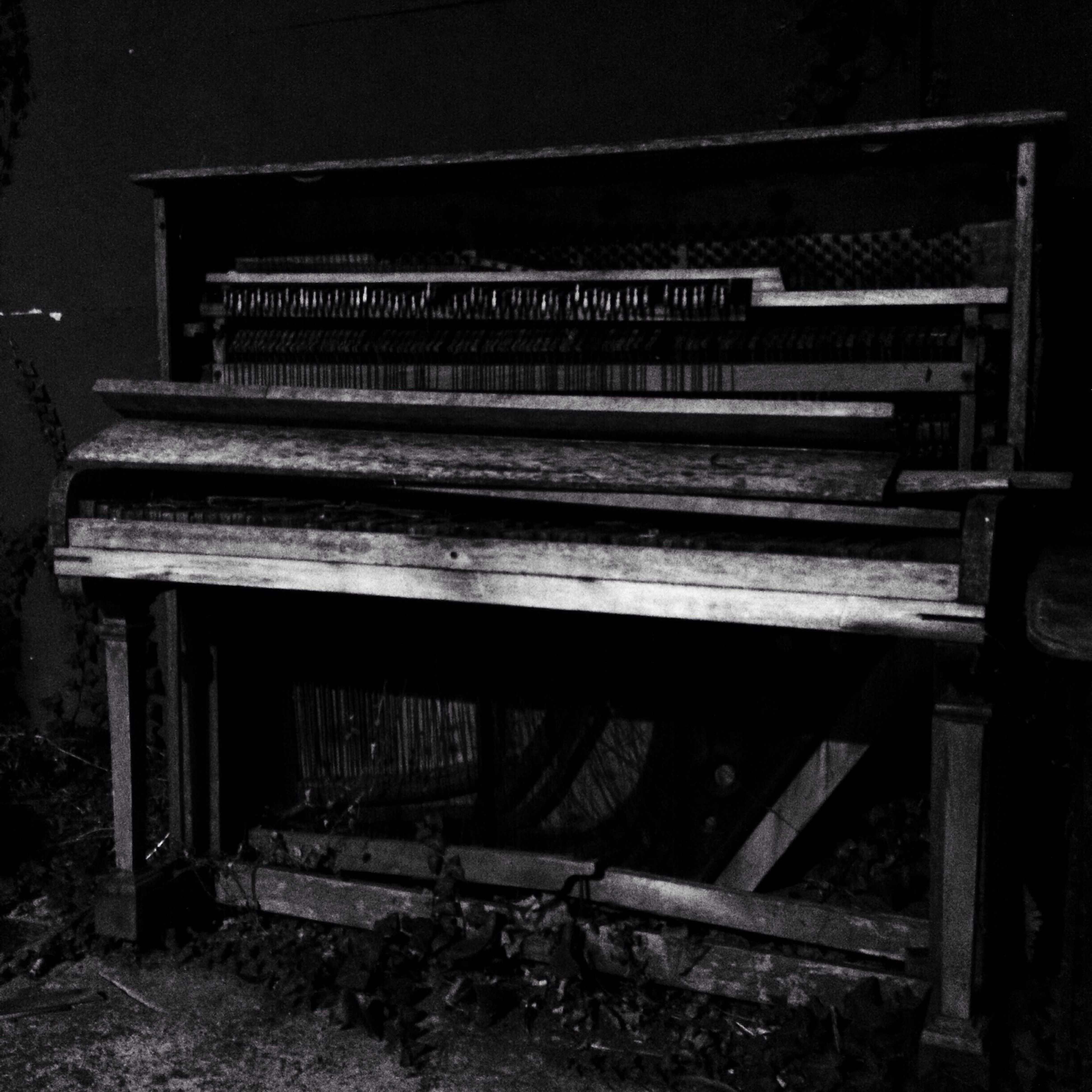 piano, music, arts culture and entertainment, no people, abandoned, musical instrument, close-up, indoors, day