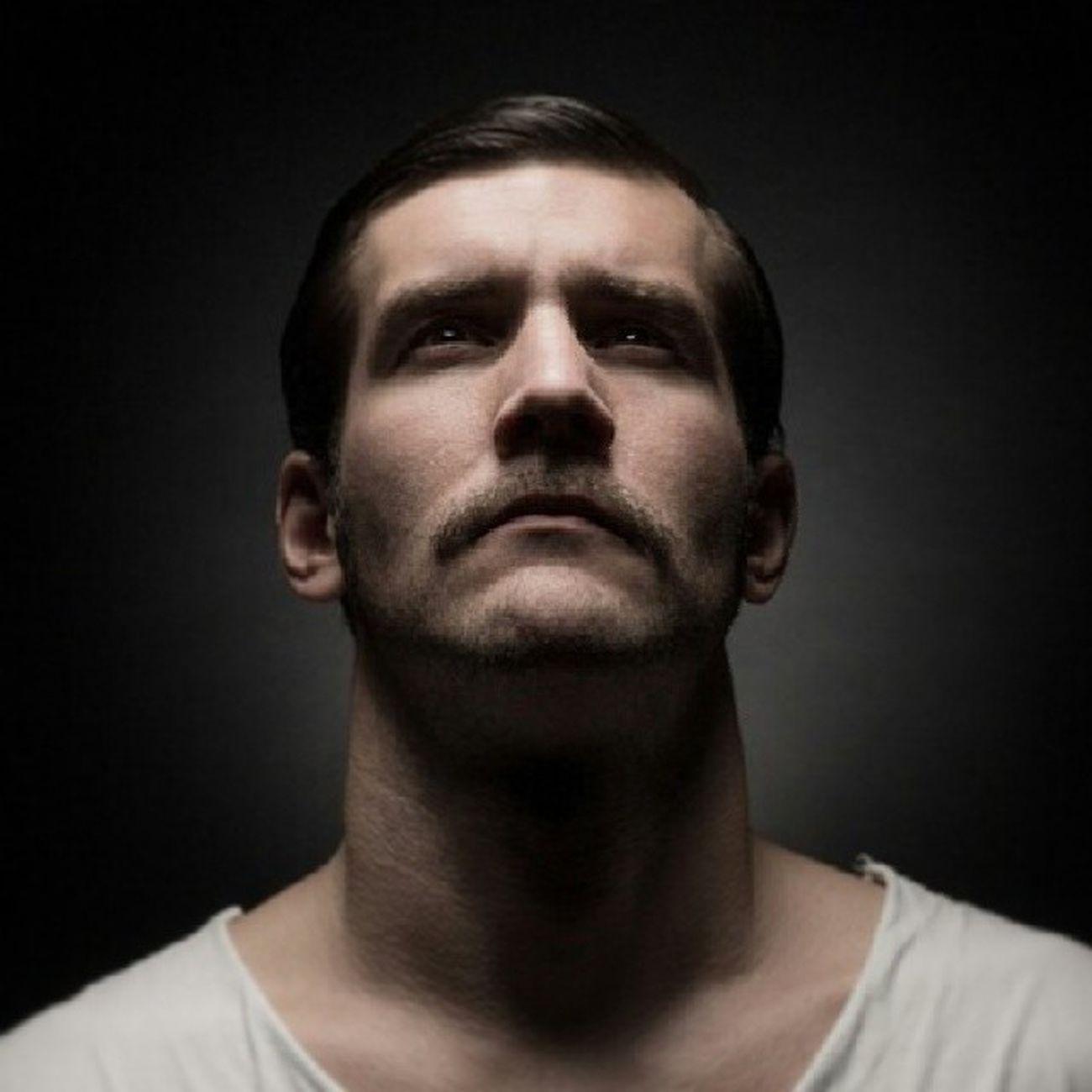 Boxer Filmnoir Male Model german cologne notrb shooting elinchrom canon superfotografie portrait studio