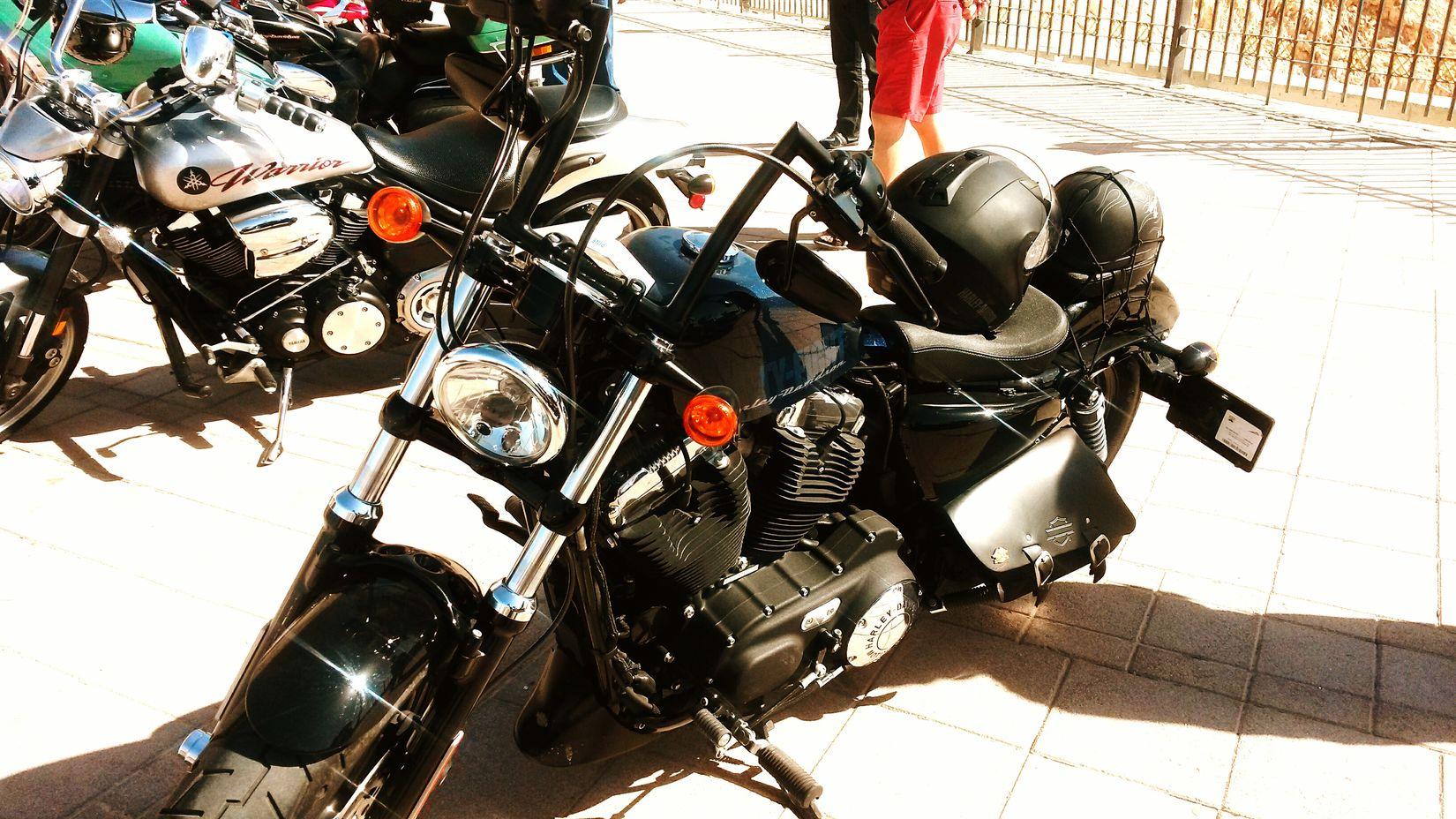 Beauty.......good for a ride... Brothersbike Bikers Bikelove Bike Harleydavidson Jabelhafeet Dubai Dubaicity Cityscapes Cityscape