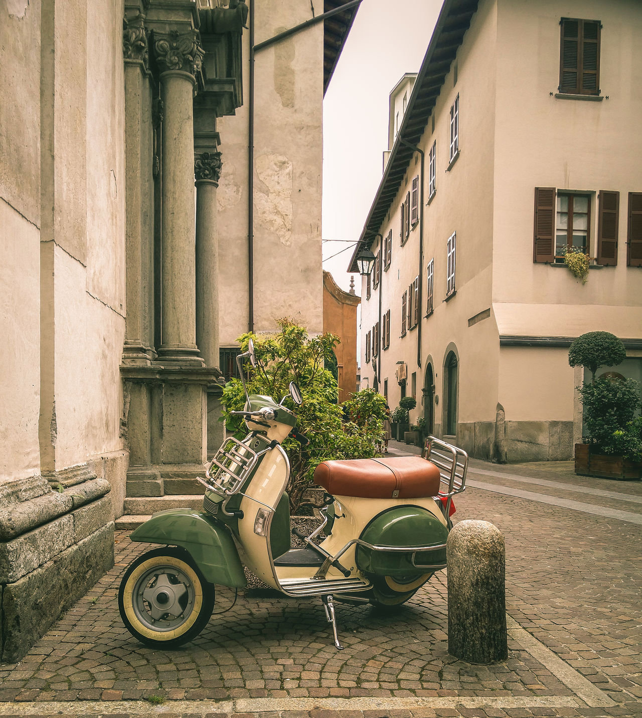 Andiamo! ;) Architecture Building Exterior Built Structure Chair City Day EyeEm Italy EyeEm Team Italia Italy No People Old Buildings Old Town Outdoors Picturesque Vespa VESPA Bella Vespalovers Vespavintage Vintage Embrace Urban Life Tadaa Community My Year My View Finding New Frontiers