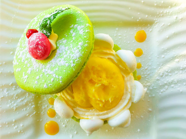 Macarons on a plate BIG Blade Close-up Colorful Cream Decoration Dessert Directly Above Food Food And Drink Freshness Fruit Green Color Indoors  Macarons No People Open Plate Puder Ready-to-eat Suger Glider Tasty White Yellow