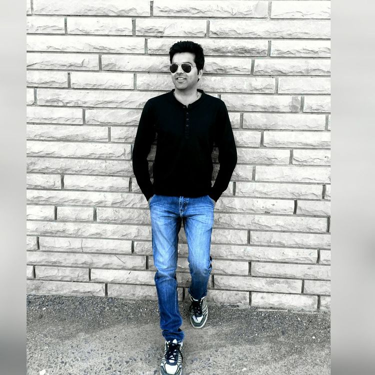Standing Pose Outdoors Adults Only Real People Smiling Young Adult The Architect - 2017 EyeEm Awards The Portraitist - 2017 EyeEm Awards Stylish Fashion&love&beauty One Person Nature Only Men Fashion Blackandwhite Photography Sunglasses One Young Man Only Full Length