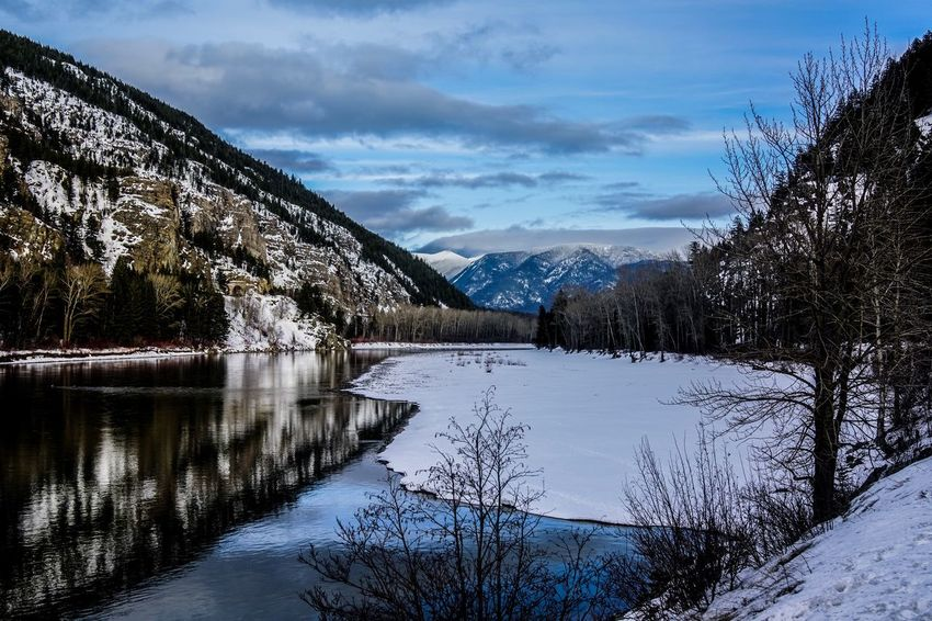 Snow Tranquil Scene Sky Cloud - Sky Mountain Scenics Shades Of Winter Cold Temperature Nature Beauty In Nature Tranquility Winter Lake No People Landscape Outdoors Mountain Range Water