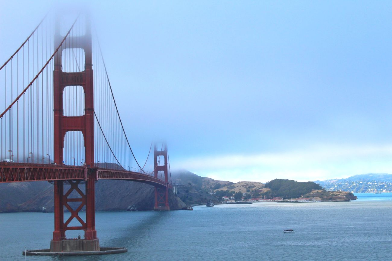One of my favorite shots of the Golden Gate Bridge from my trip to San Francisco🏙️👌🏼🙌🏼 Travel Destinations Bridge - Man Made Structure Water Travel Sky Tourism Architecture Built Structure Sea San Francisco Gloomy Weather Gloomy