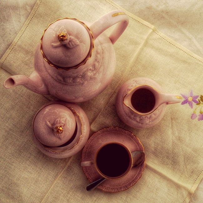 My vintage porcelain pink and gold coffee. Dark Pink By Motorola Lifestyle Coffee Time Drinking Coffee Porcelain  English Porcelain Pink Artemisiademonlifestyle My Lifestyle At Home