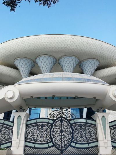 Sky Architecture No People Day Close-up Outdoors Beach Villa Technology Extraordinary Architecture Beliebte Fotos Ladyphotographerofthemonth 3XSPUnity Building Exterior Houses And Homes Villa Architecture Travel Destinations Detail Of Facade Entrance Portal Außergewöhnlich