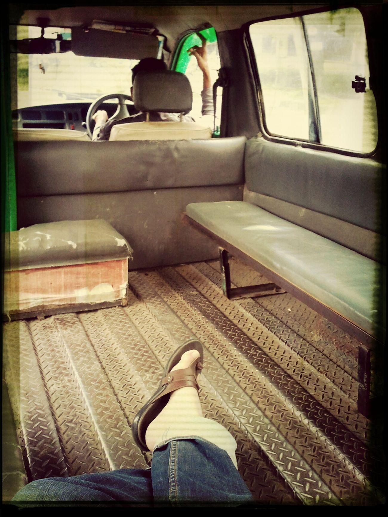 Alone Angkot Looking Around Bandung in angkot Caheum-Ciroyom.. -_-