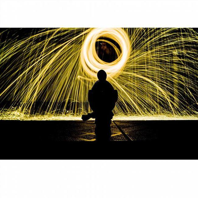 3 Light Lights Lightpainting Lightpaint Lightpaintingphotography LightPainters Lightpainter Lightpainted Lightpaintingbrushes Lightpaintingoftheday Lightpaintingart Lightpaintingphotos Longexposure Longexpo Longexposureoftheday Instalights Instalightpainting VSCO Vscocam Achadosdasemana Longaexposição Longaexposição Parededevidro Brasilfolk vscolights