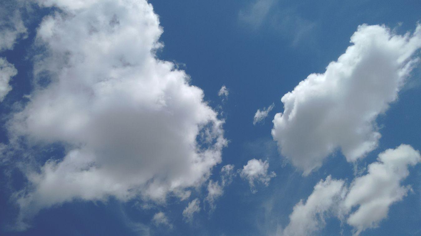 As nuvens são feitas de algodão. 💭⛅ Hi! Nuvens Algeria Algodaodoce Lindo  Céu E Nuvem Ceu Azul Deusemaravilhoso