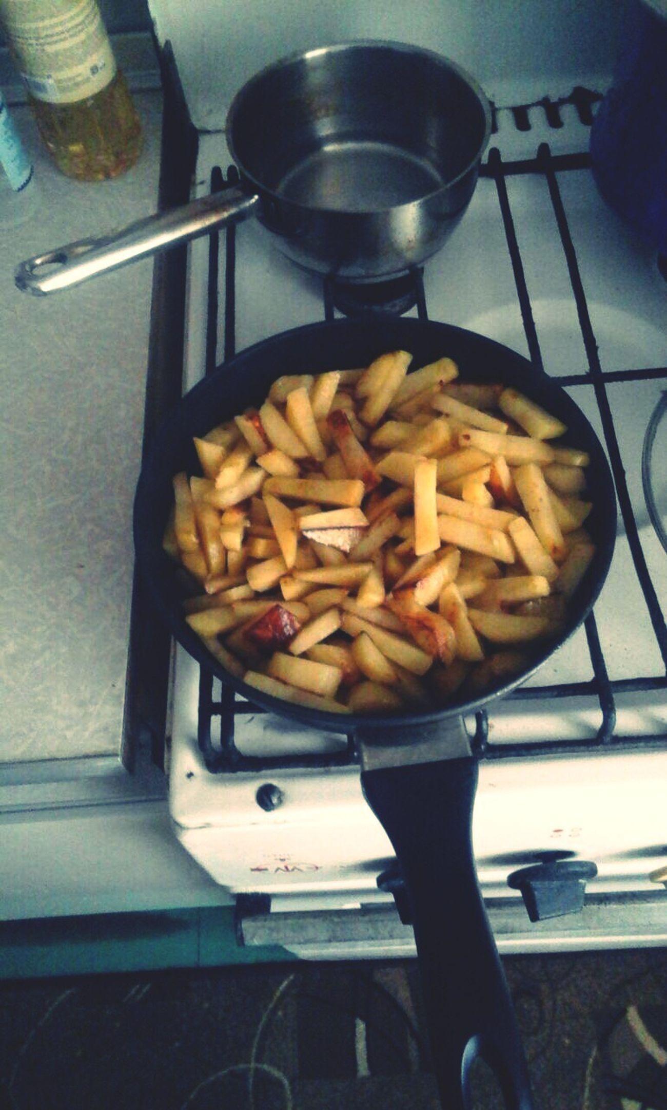 Что-нибудь First Eyeem Photo Potatoes советская СоветскийАрт порусски картошка жаренная картошка готовка всепросто Рашанаша тепло Хорошо вкусно