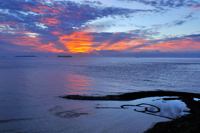 Scenic Penghu Taiwan coast, broad and grand, the four seasons have different feelings. Double Heart Stone Pool Natural Taiwan Beach Beauty In Nature Cloud - Sky Coastal Day Double Heart Horizon Over Water Idyllic Landscape Nature No People Outdoors Peaceful Penghu Scenics Sea Seaside Sky Sunset Tranquil Scene Tranquility Water