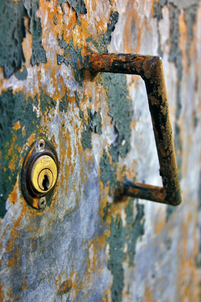 Dramatic Angles Angles And Lines Bad Condition Brown Close-up Damaged Day Deterioration Dramatic Focus On Foreground Freshness Grip Handle Lock Locked Door No People Paint Peeling Off Selective Focus Weathered