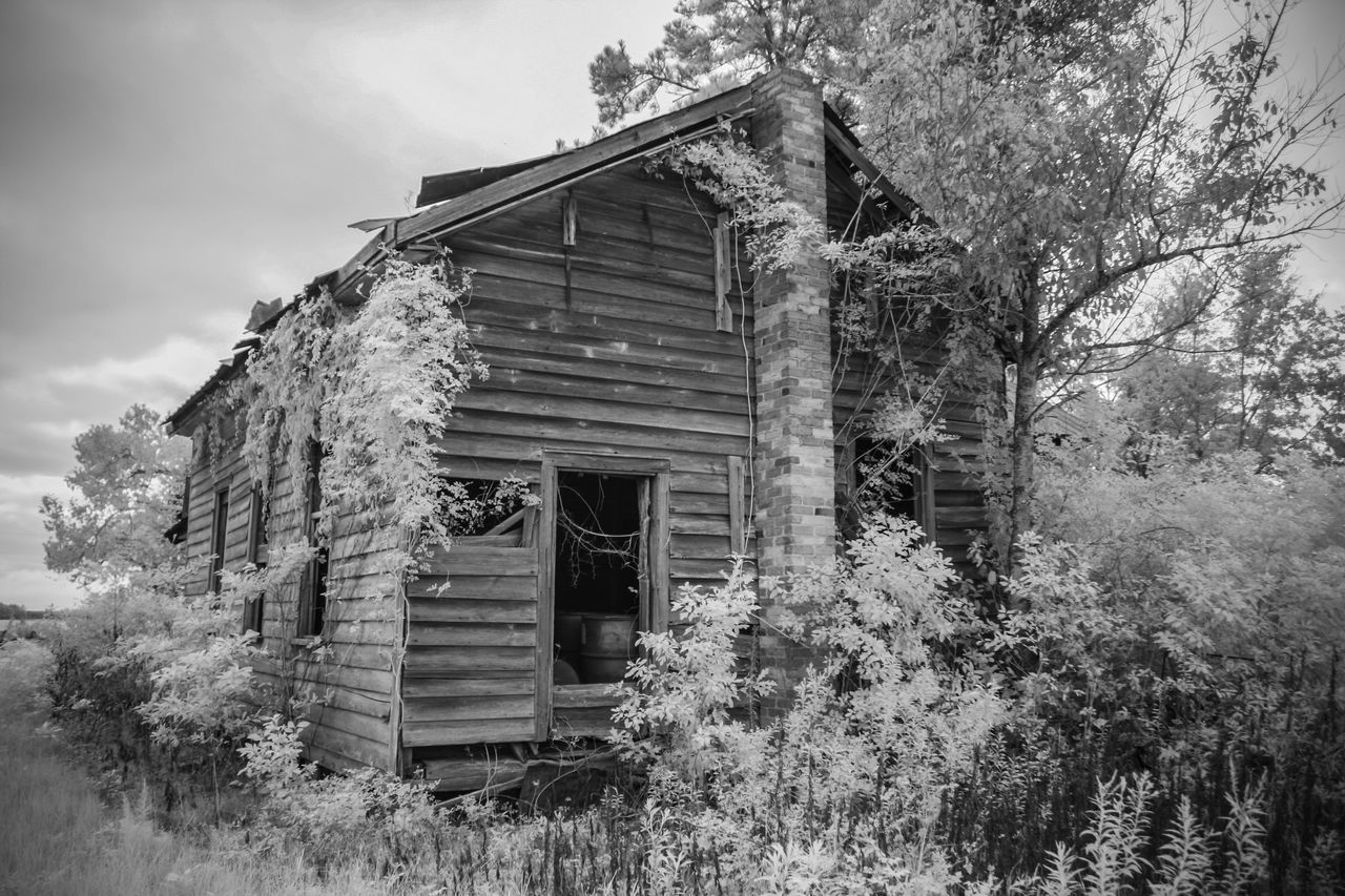 Abandoned Abandoned Buildings Black & White Black And White Black And White Photography Blackandwhite Blackandwhite Photography Decay Decaying Building Deteriorated Deterioration Infrared Infrared Photo Infrared Photography
