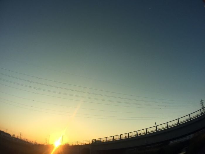 夕陽 Sunset 空 Sky 太陽 Sun 電線 Electric Wires