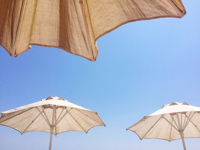 Hot dreams - Timber Timbre ☀️🏖 Eyemphotography Blue Sky Umbrellas Bestoftheday Eyem Best Shots Summer #summertime #sun #TagsForLikes.com #hot #sunny #warm #fun #beautiful #sky #clearskys #season #seasons #instagood #instasummer #photooftheday #nature #TFLers #clearsky #bluesky #vacationtime #weather #summerweather #sunshine #summertimeshine