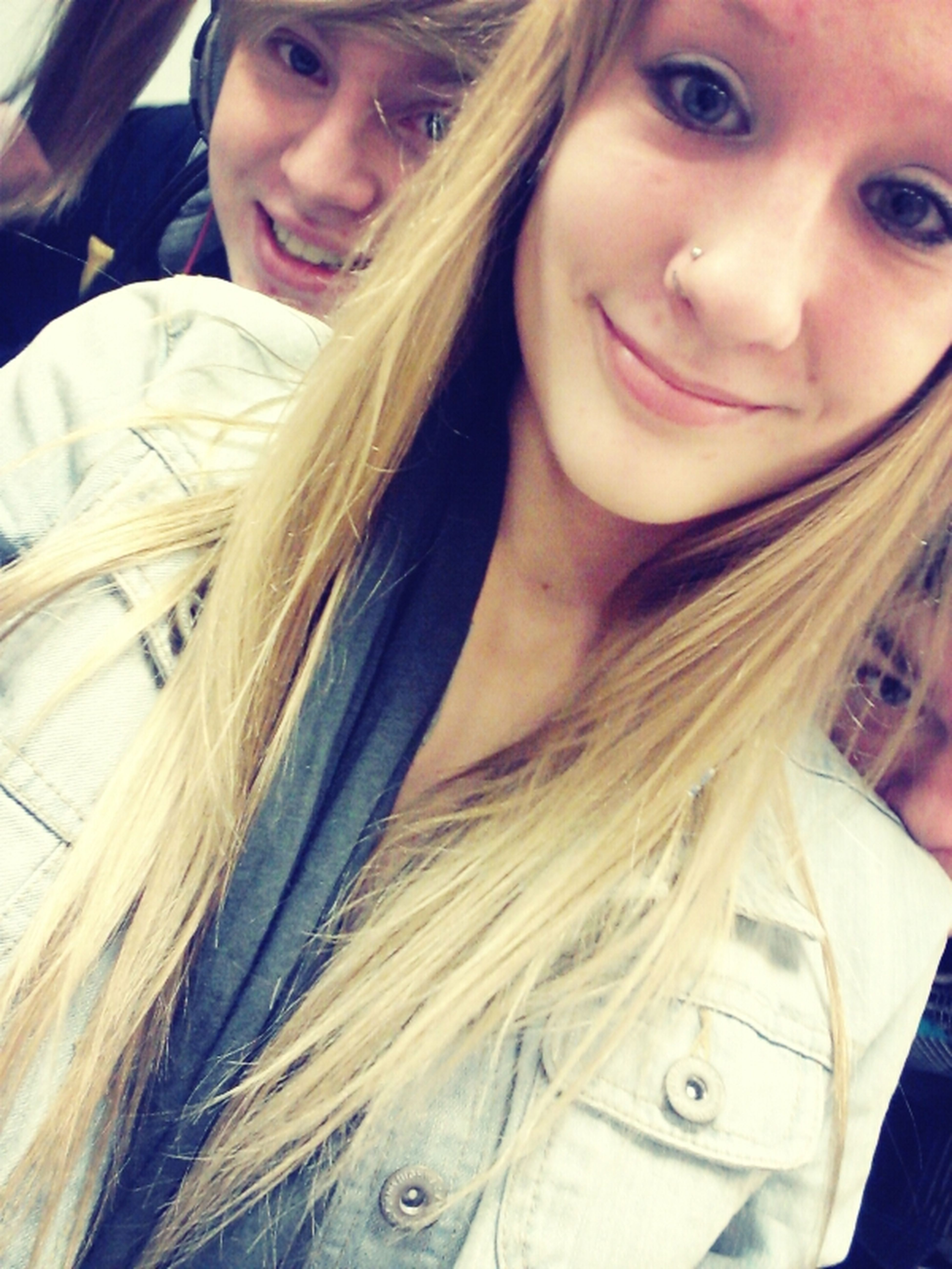 2 of my good guy friends creeping in the corners of my pic lol <3