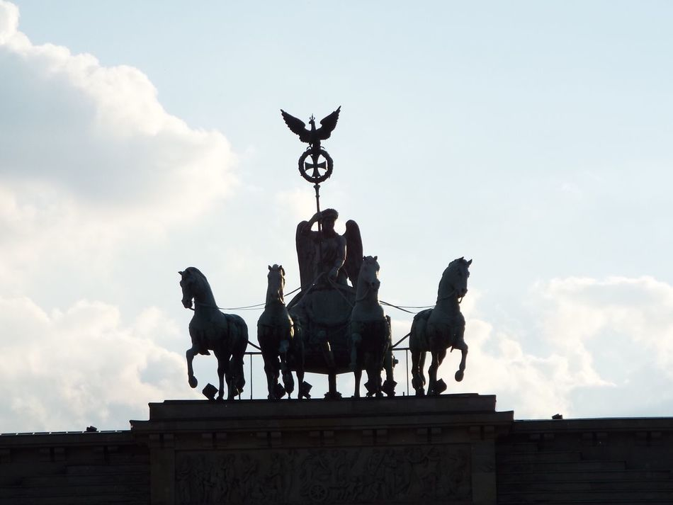 Statue Sculpture Horse Art And Craft Sky Human Representation Cloud - Sky Creativity Horseback Riding Male Likeness Low Angle View History Built Structure Outdoors Architecture Day Warrior - Person No People King - Royal Person
