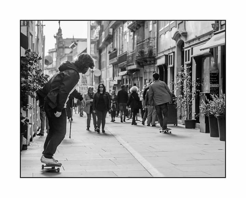 Friends Blackandwhite Photography Black & White Monochrome Photography High Contrast Bnw Blackandwhite Black And White Streetphotography High Contrast Urbanphotography Urban Perspectives Street Photography Urban Photography Streetphoto_bw Skateboardphotography Allways Under My Feet Stree Photography Urban Life Oporto Oporto, Portugal Transportation Real People Beatiful Place