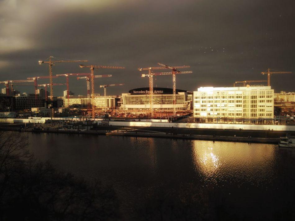 Cranesanity in Kreuzberg, Crane Craneaddicted  Spree Reflection