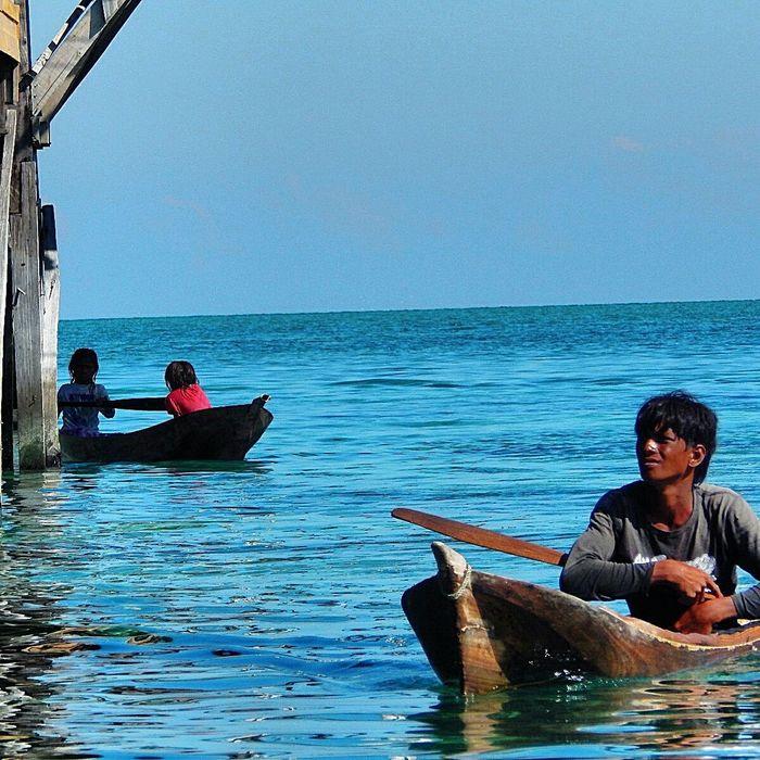 Sea Smallboat People Life Survive ASIA
