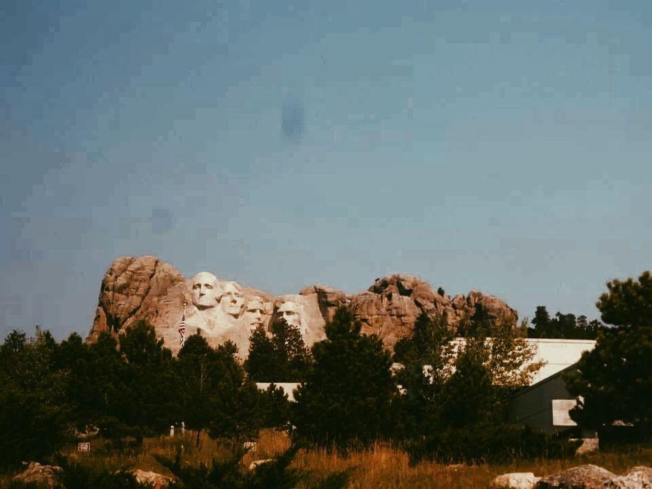 the most random thing ever USA Mount Rushmore Patriotism Godblessamerica