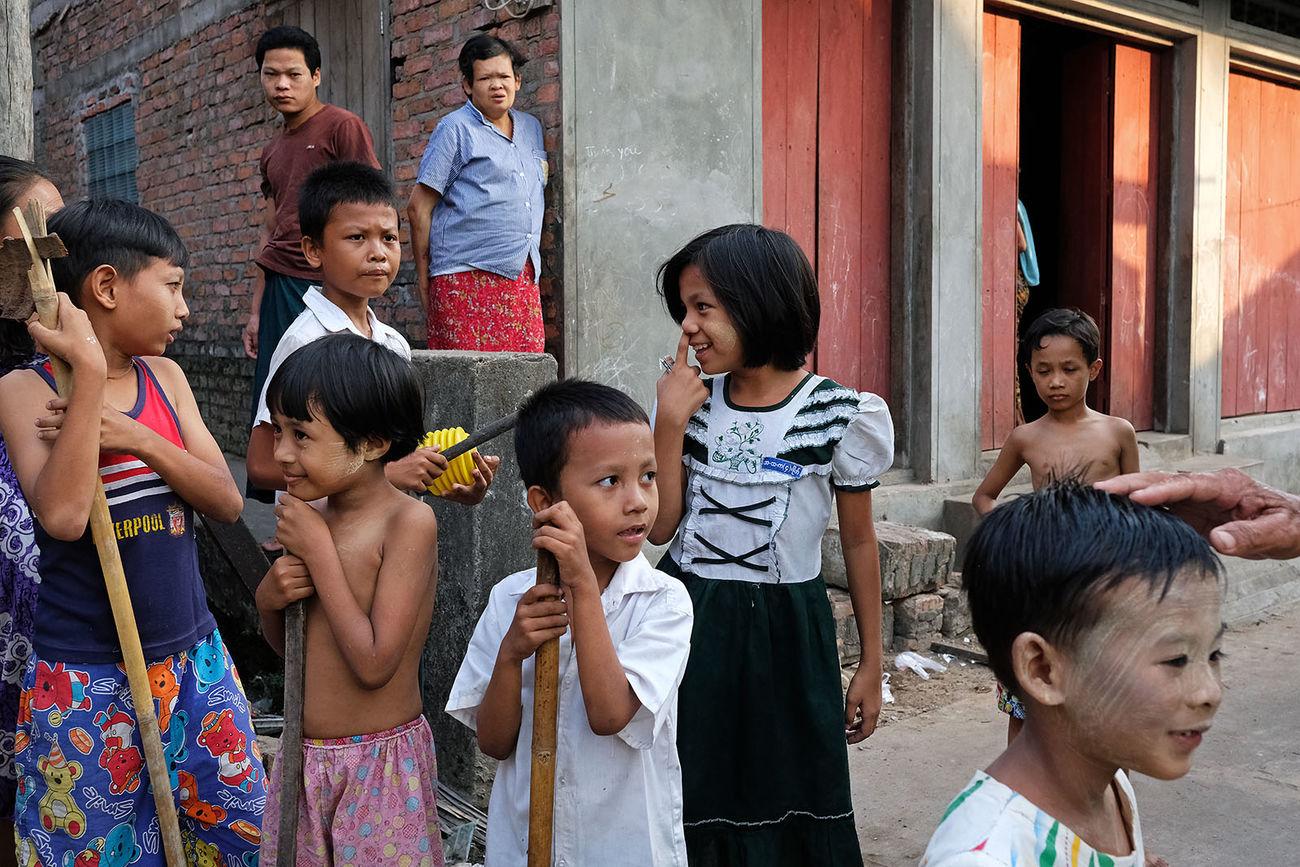 A lively corner in the lanes of Myeik in the south of Myanmar. www.maciejdakowicz.com ASIA Burma Children Fujifilm Fujifilm_xseries Fujifilm_xt2 Myanmar Myeik Street Street Photography Streetphotography The Street Photographer - 2017 EyeEm Awards X-t2