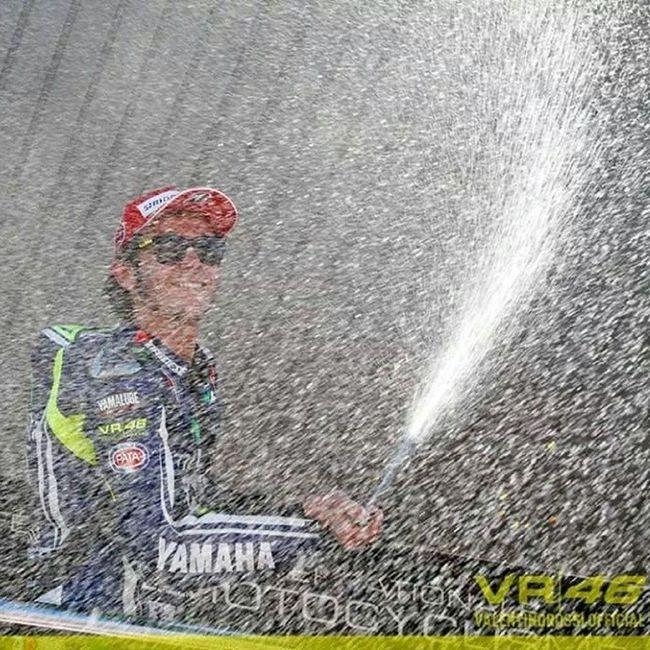 THE RETURN! ?Thereturn Jerez España Motogp 2014 second valentinorossi vale46 vr46 victory great instagood cool instaone theone picoftheday bestoftheday tagsforlikes like4like followme