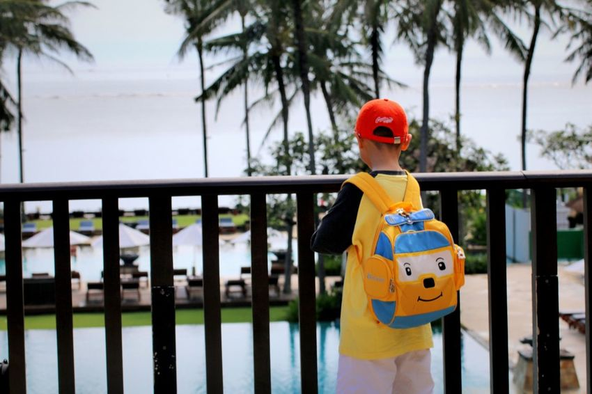 Si bolang.. Resort Hotel Resortlife Child Headwear Children Only Travelling Kidsphotography Tourist Resort Vacations One Boy Only Vacation