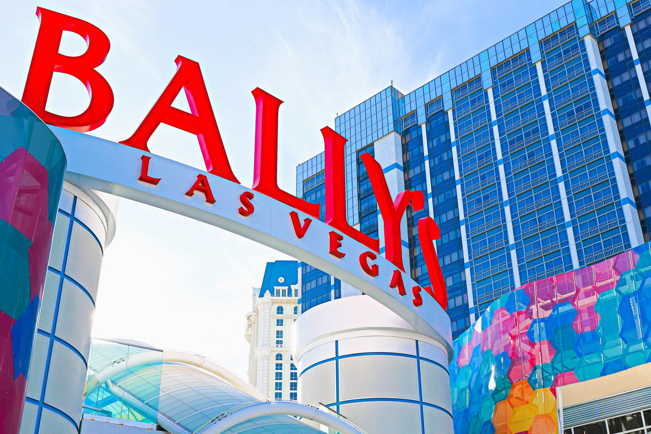 Ballys Las Vegas in Nevada. Bally's is located on the Las Vegas Boulevard and has over 2,800 rooms available for guests. 43 Golden Moments America American American Flag Ballys Casino EyeEm Eyeem Collection Famous Famous Place Getty Getty X EyeEm International Landmark Las Vegas Nevada Slovenia Stockphoto The OO Mission Travel Travel Destinations Travel Photography Traveling United States