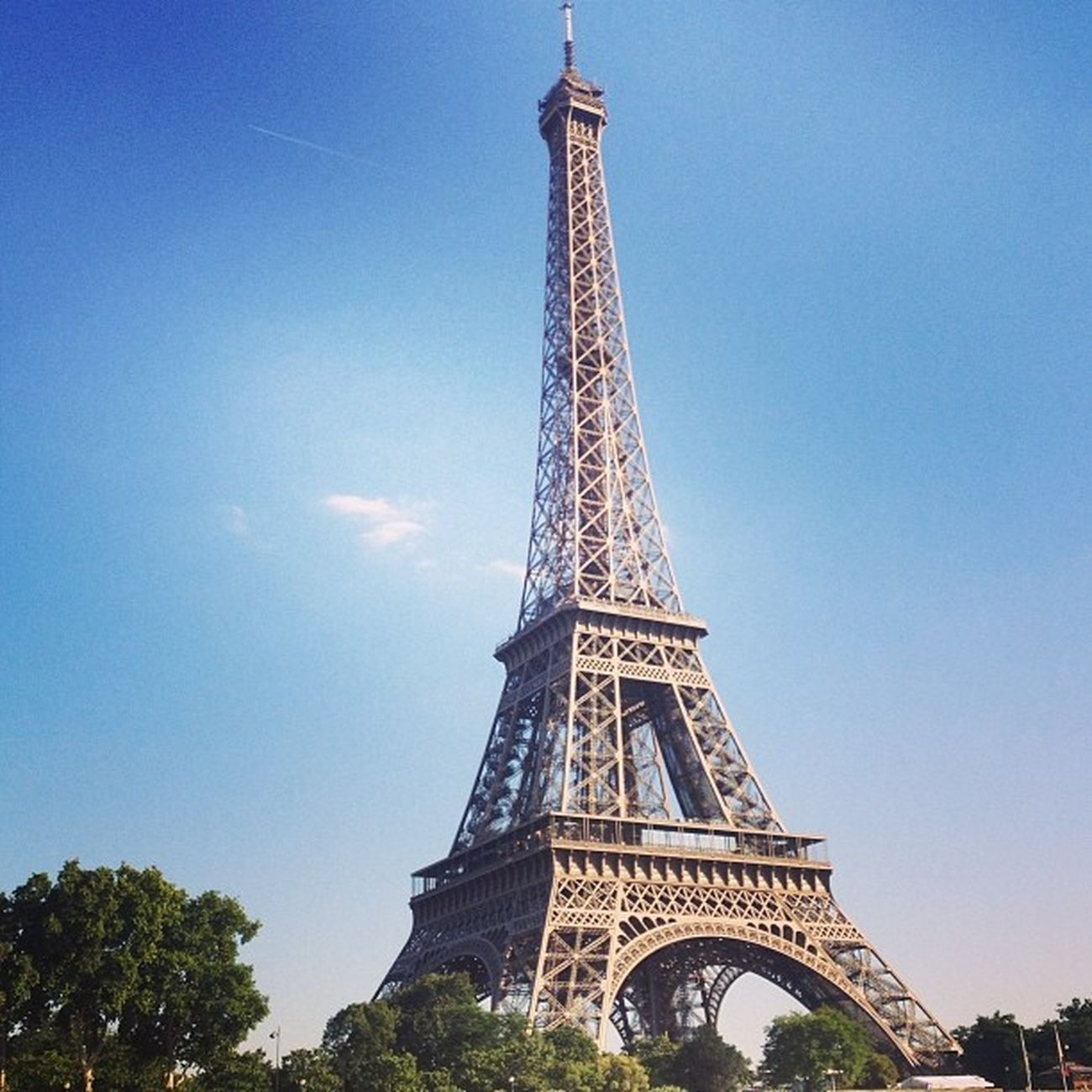Some guy came from the tower last night shouting 'she's engaged, she's engaged' to his girlfriend Goodchoice Paris