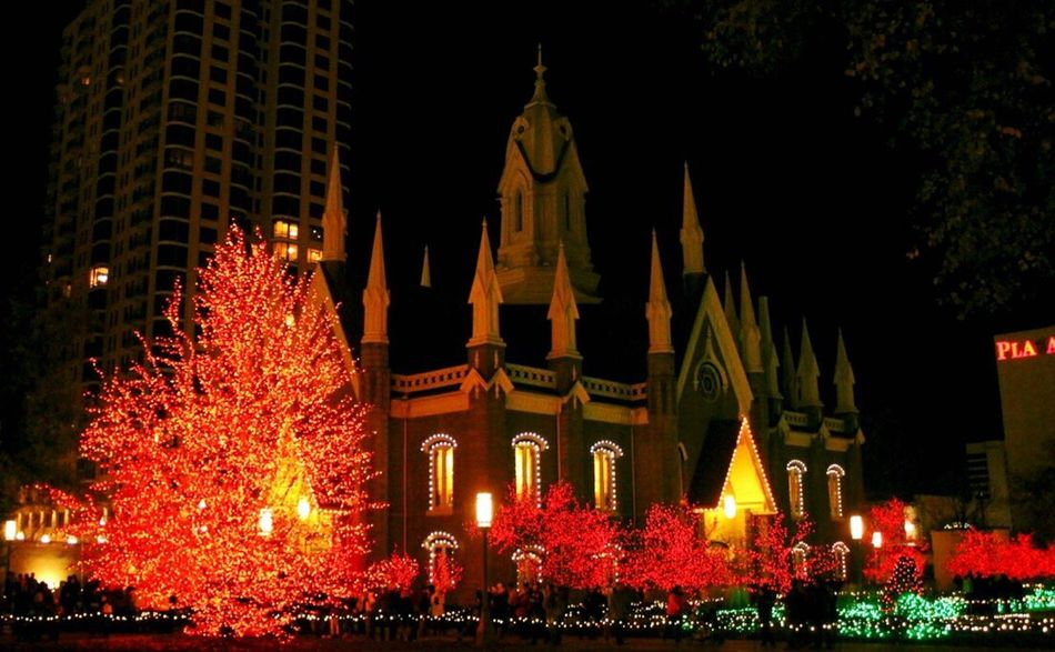 Night Illuminated Christmas Tree Architecture Christmas Christmas Lights Celebration Tree Travel Destinations Tower Dusk Building Exterior City Built Structure Sky Outdoors Clock Tower Christmas Decoration Large Group Of People Clock Utah Temple Square Salt Lake City